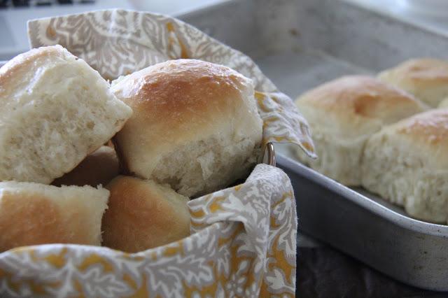 BIG FLUFFY PAN DINNER ROLLS1 - BIG FLUFFY PAN DINNER ROLLS
