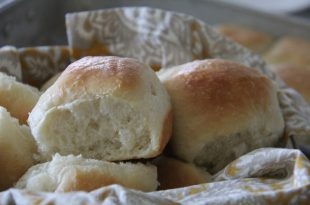 BIG FLUFFY PAN DINNER ROLLS2 310x205 - BIG FLUFFY PAN DINNER ROLLS