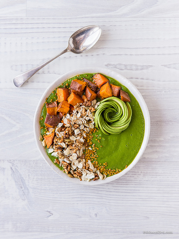 Green Smoothie Sweet Potato Granola Bowl - Green Smoothie, Sweet Potato & Granola Bowl