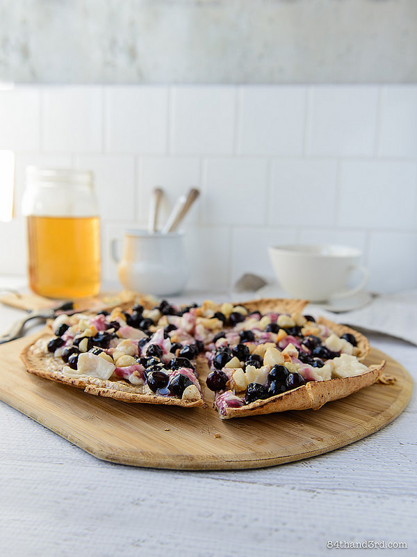Nutty Blueberry Breakfast Pizza3 - Nutty Blueberry Breakfast Pizza